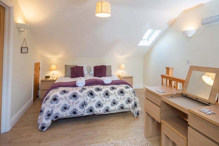 Molletts-Farm_Aldeburgh_Cottage_Bedroom_142