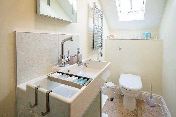 Molletts-Farm_Framlingham_Cottage_Bathroom_172